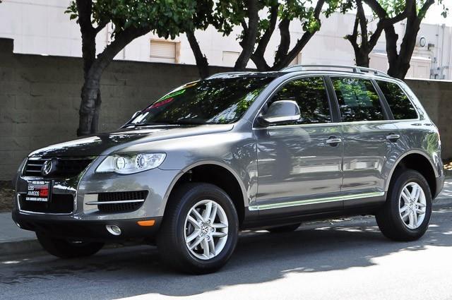 2009 VOLKSWAGEN TOUAREG 2 VR6 FSI AWD 4DR SUV grey we finance everybody having trouble financing
