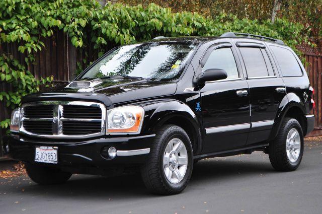 2005 DODGE DURANGO SLT 4WD 4DR SUV black we finance everybody  having trouble financing a car