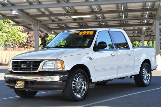 2003 FORD F-150 KING RANCH 4DR SUPERCREW RWD STY white we finance everybody  having trouble fina