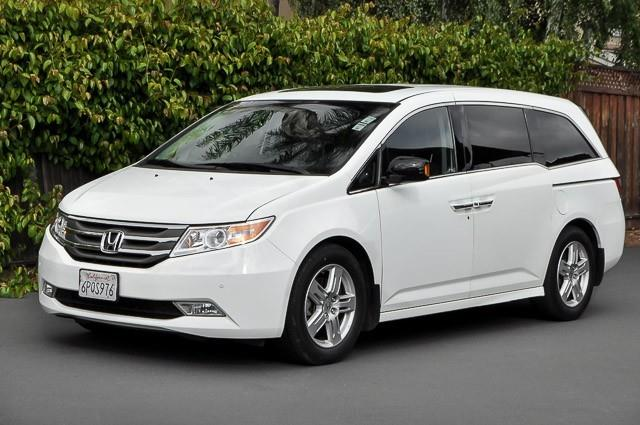 2011 HONDA ODYSSEY TOURING 4DR MINI VAN white we finance everybody having trouble financing a ca