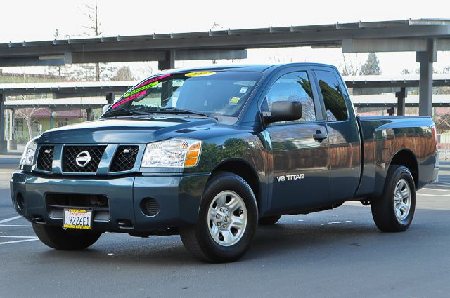 2007 NISSAN TITAN XE 4DR KING CAB SB green we finance everybody  having trouble financing a car
