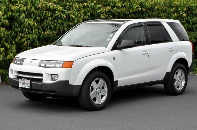 2004 SATURN VUE BASE FWD 4DR SUV white we finance everybody having trouble financing a car we