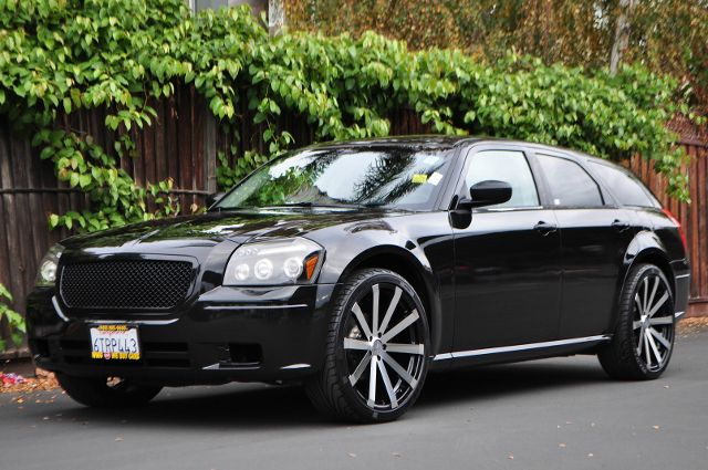 2007 DODGE MAGNUM SE 4DR WAGON black we finance everybody  having trouble financing a car we g