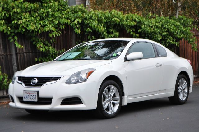 2010 NISSAN ALTIMA 25 S 2DR COUPE CVT white we finance everybody  having trouble financing a ca