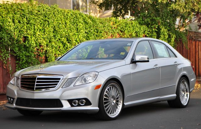 2010 MERCEDES-BENZ E-CLASS E350 LUXURY 4DR SEDAN silver we finance everybody  having trouble fin