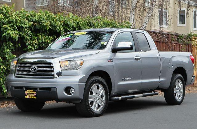 2007 TOYOTA TUNDRA LIMITED 4DR DOUBLE CAB SB silver looking for a clean well-cared for 2007 toyot