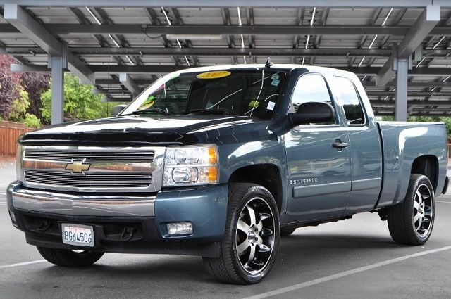 2007 CHEVROLET SILVERADO 1500 LT1 4DR EXTENDED CAB 58 FT SB blue we finance everybody  having