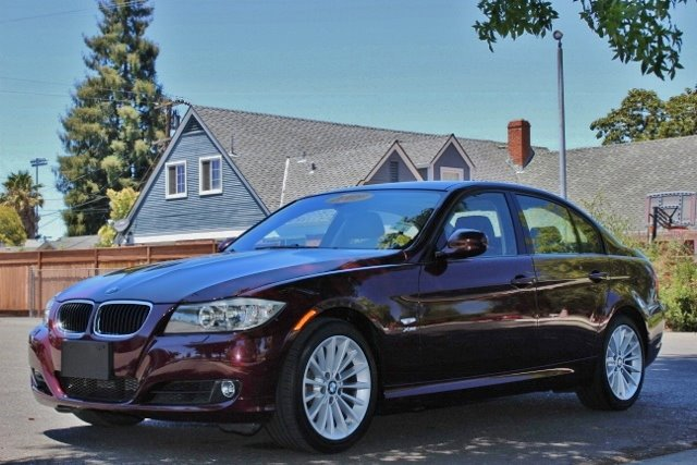 2009 BMW 3 SERIES 328XI AWD 4DR SEDAN cherryburgundi we finance everybody  having trouble finan