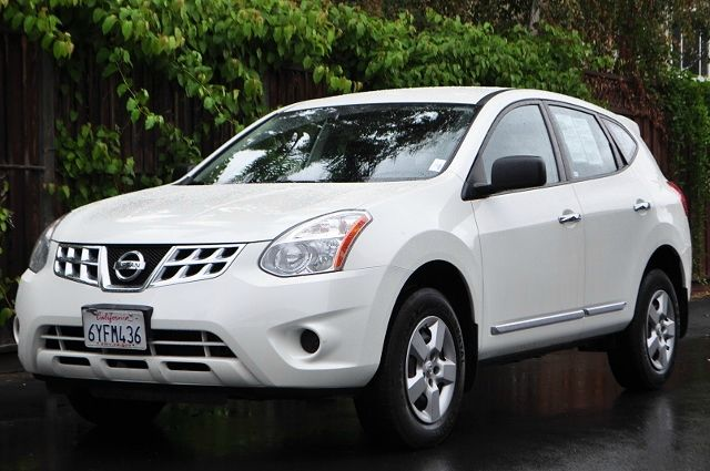 2013 NISSAN ROGUE S 4DR CROSSOVER white we finance everybody  having trouble financing a car w