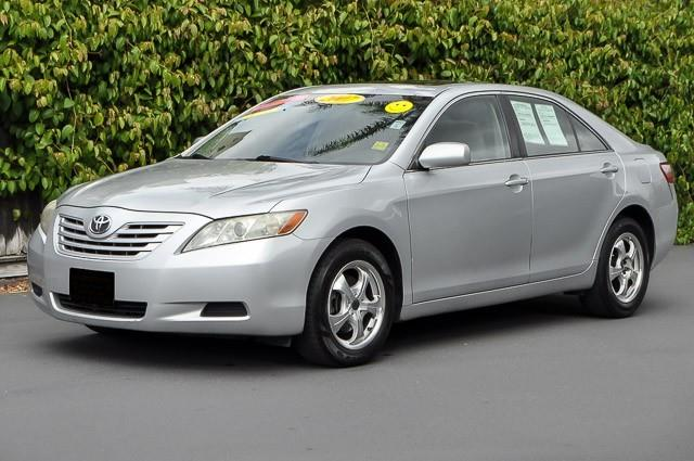 2007 TOYOTA CAMRY LE 4DR SEDAN 24L I4 5A silver looking for a clean well-cared for 2007 toyot