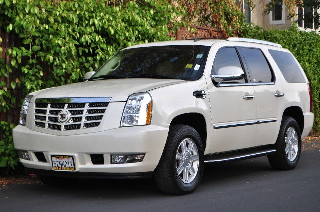 2007 CADILLAC ESCALADE BASE 4DR SUV pearl this unit price is wout rims   we finance everybody