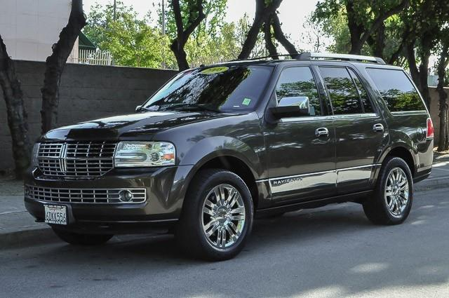 2008 LINCOLN NAVIGATOR BASE 4DR SUV brown we finance everybody having trouble financing a car