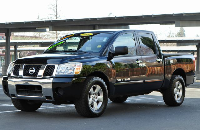2007 NISSAN TITAN SE FFV 4DR CREW CAB SB black we finance everybody  having trouble financing a