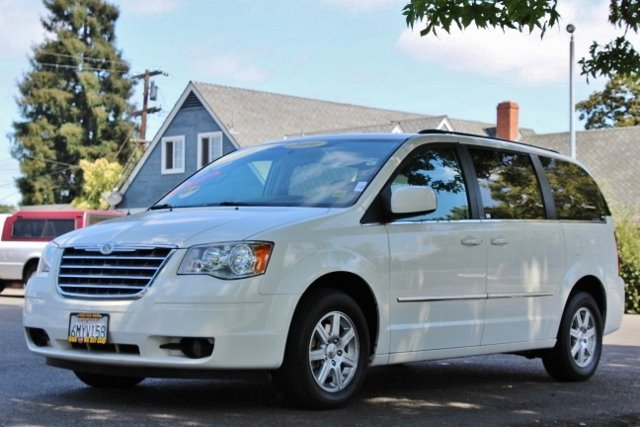 2010 CHRYSLER TOWN AND COUNTRY TOURING 4DR MINI VAN white we finance everybody  having trouble f