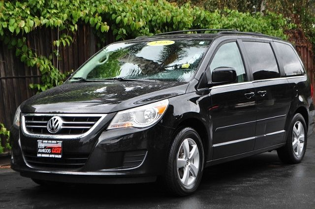 2009 VOLKSWAGEN ROUTAN SE 4DR MINI VAN black we finance everybody  having trouble financing a ca