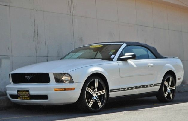 2008 FORD MUSTANG V6 DELUXE white we finance everybody  having trouble financing a car we gura
