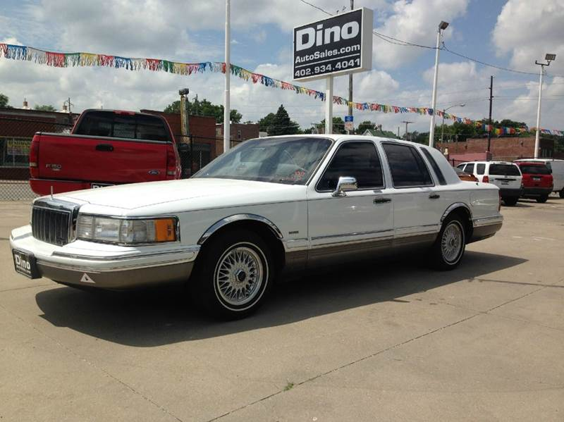 1991 lincoln town car signature 4dr sedan in omaha ne dino auto sales. Black Bedroom Furniture Sets. Home Design Ideas