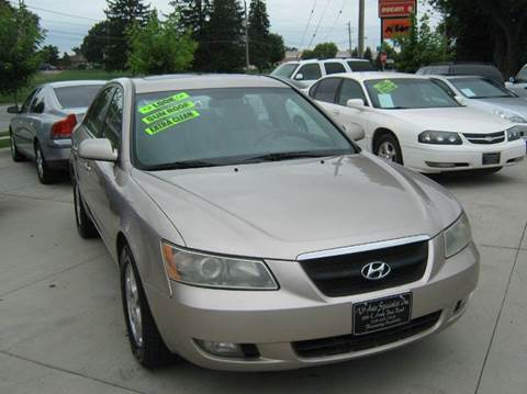 Hyundai for sale in des moines ia for Des moines motors buy here pay here
