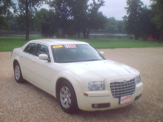 2006 Chrysler 300 for sale in Hardin IL