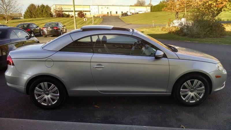 2010 Volkswagen Eos Komfort 2dr Convertible 6A - New Holland PA