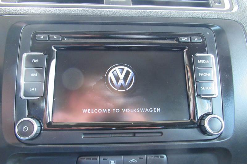 2014 Volkswagen Jetta SE PZEV 4dr Sedan 6A w/Connectivity and Sunroof - New Holland PA