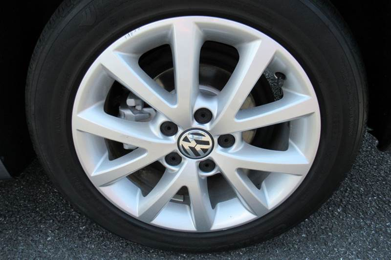 2014 Volkswagen Jetta SE PZEV 4dr Sedan 5M w/Connectivity and Sunroof - New Holland PA