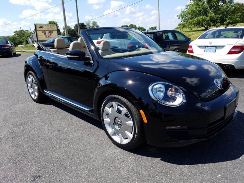 2014 Volkswagen Beetle 2.5L PZEV 2dr Convertible w/Sound and Navigation - New Holland PA