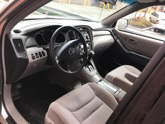 2002 Toyota Highlander Base AWD 4dr SUV V6 - Salem MA