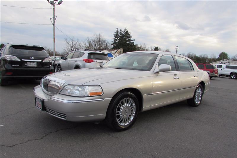 2008 Lincoln Town Car For Sale