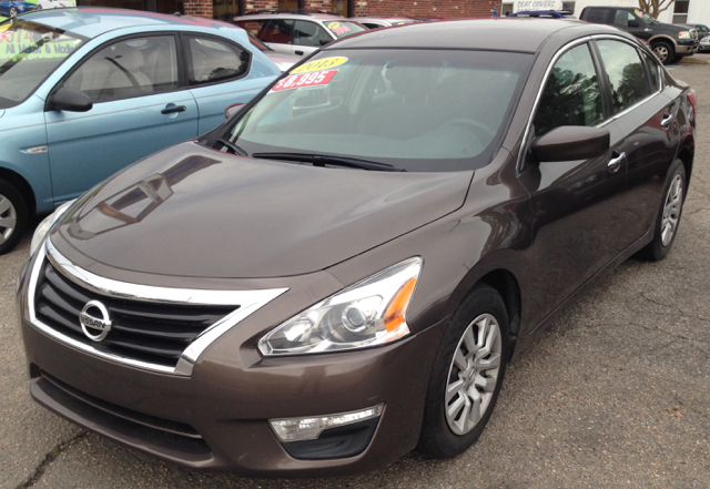 2013 nissan altima 2 5 s 4dr sedan in norfolk va hajji. Black Bedroom Furniture Sets. Home Design Ideas