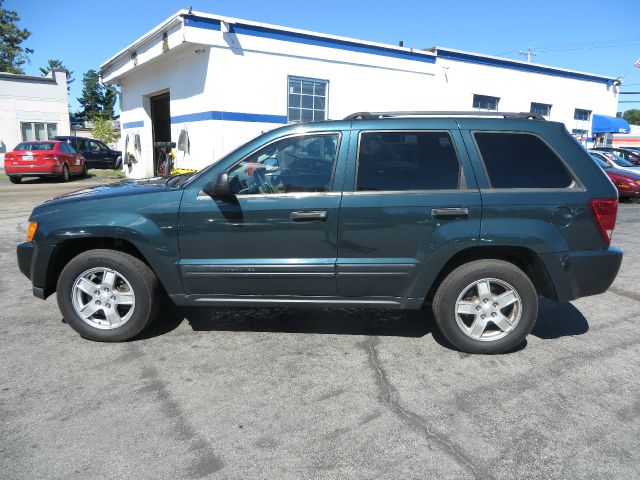 2005 jeep grand cherokee laredo 4wd 4dr suv in chichester barnstead belmont price auto sales. Black Bedroom Furniture Sets. Home Design Ideas