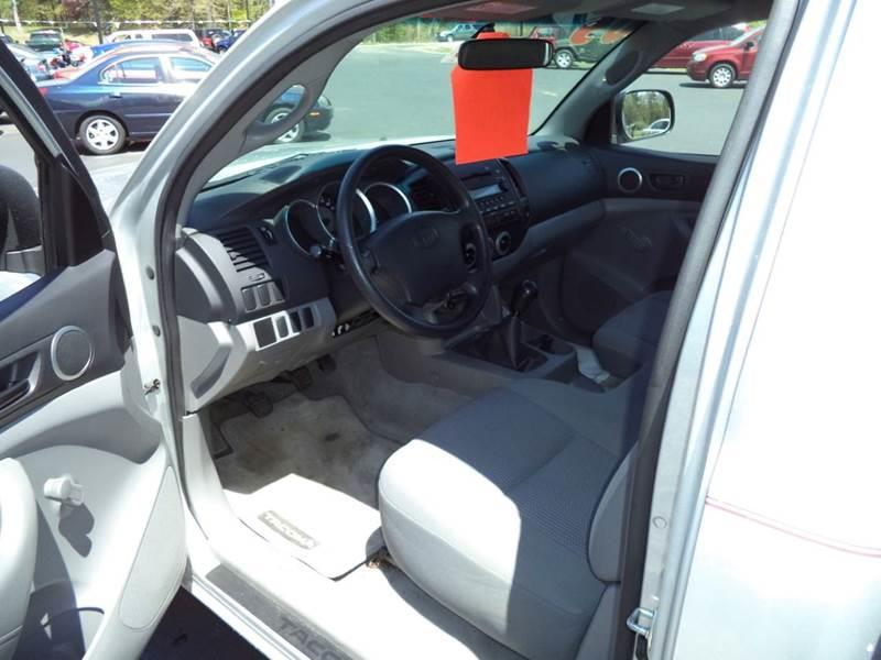 2005 Toyota Tacoma 2dr Standard Cab Rwd SB - Chichester NH