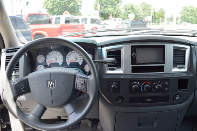 2008 Dodge Ram Pickup 1500 SLT 4dr Quad Cab 4WD SB - Fortville IN