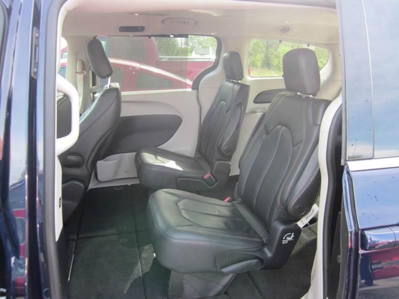 2017 Chrysler Pacifica Touring-L 4dr Mini-Van - Effingham IL