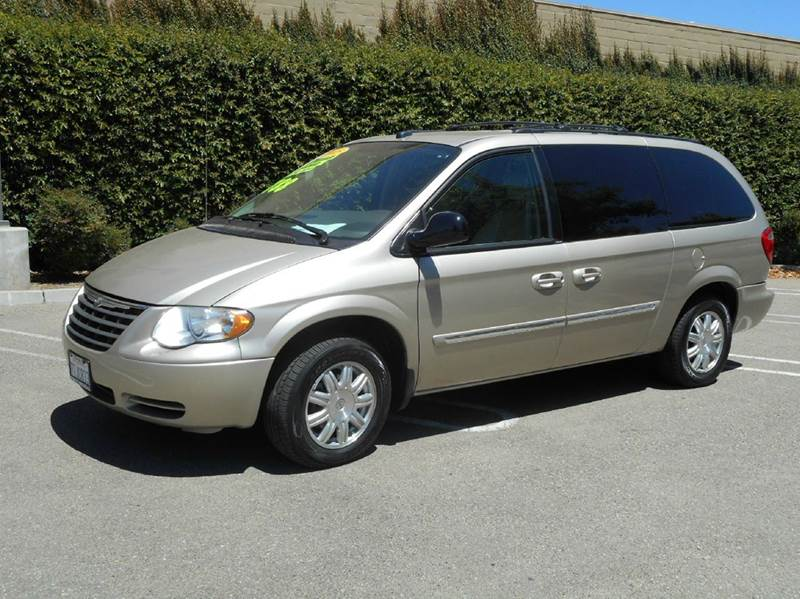 2005 chrysler town and country touring 4dr extended mini. Black Bedroom Furniture Sets. Home Design Ideas
