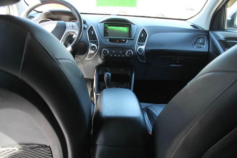 2010 Hyundai Tucson AWD GLS 4dr SUV - Hermon ME