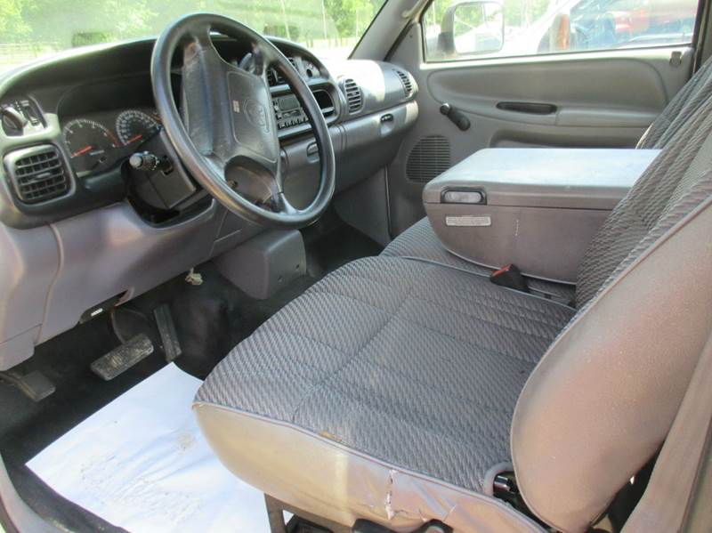 2001 Dodge Ram Pickup 3500  - Hardin IL