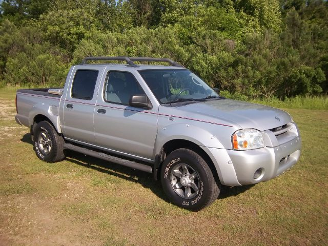 2003 NISSAN FRONTIER XE-V6 4DR CREW CAB RWD SB silver this truck is exceptionally clean inside