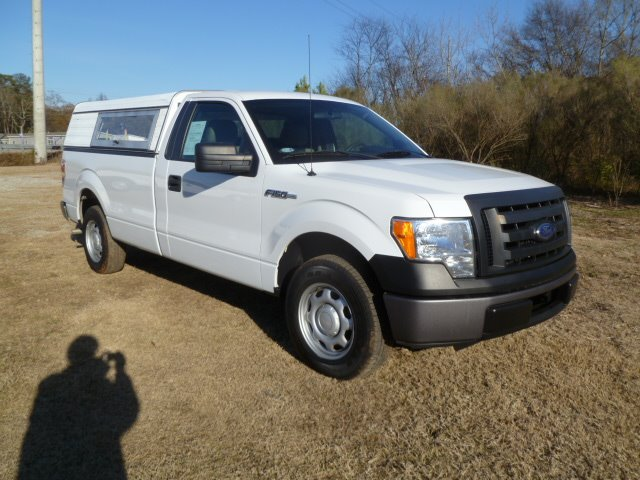 2010 FORD F150 2WD REG CAB LONG BED white extra clean one owner fleet truck small v8 better on g