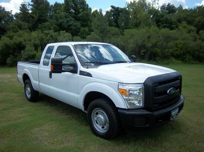 2013 FORD F-250 SUPER DUTY XL 4X2 4DR SUPERCAB 68 FT SB P white super clean  super sweet heav