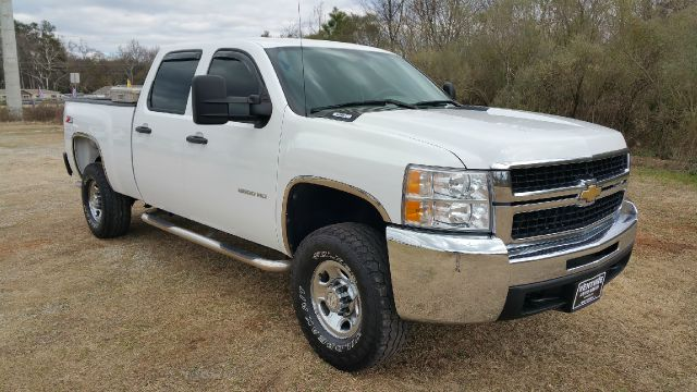 2010 CHEVROLET SILVERADO 2500HD 4X4 4DR CREW CAB SB white exceptionally nice  very hard to find a