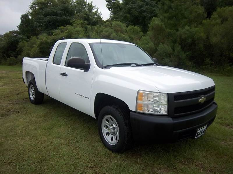 2007 CHEVROLET SILVERADO 1500 LT1 4DR EXTENDED CAB 65 FT SB white especially clean  very well
