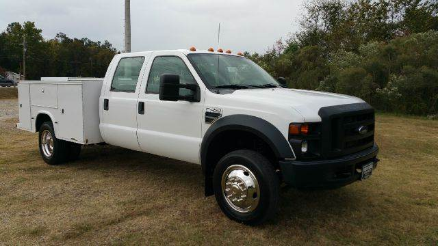 2008 FORD F450 XL SD SERVICE BODY CREW CAB DUAL REAR WHEELS white this truck is a hard to find mo