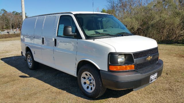 2012 CHEVROLET 1500 EXPRESS CARGO 3DR EXPRESS CARGO white one owner fleet van that has been very w