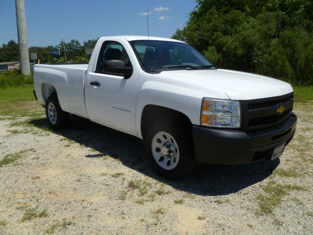 2010 CHEVROLET SILVERADO 1500 4X2 2DR REGULAR CAB 8 FT LB white 48 v8 is better on gas long be