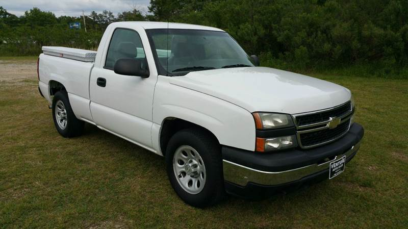 2006 CHEVROLET SILVERADO 1500 LS 2DR REGULAR CAB 65 FT SB white 43 v6 is great on gas regula