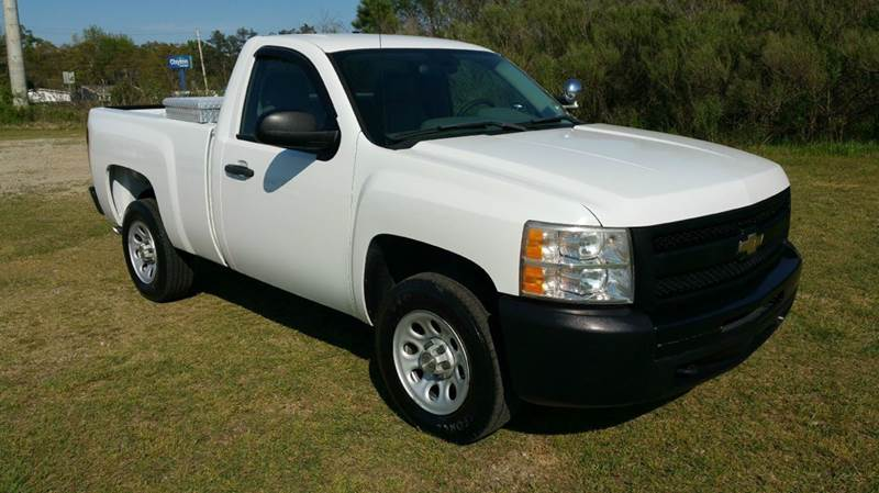 2009 CHEVROLET SILVERADO 1500 4X2 2DR REGULAR CAB 65 FT SB white really nice short bed regular