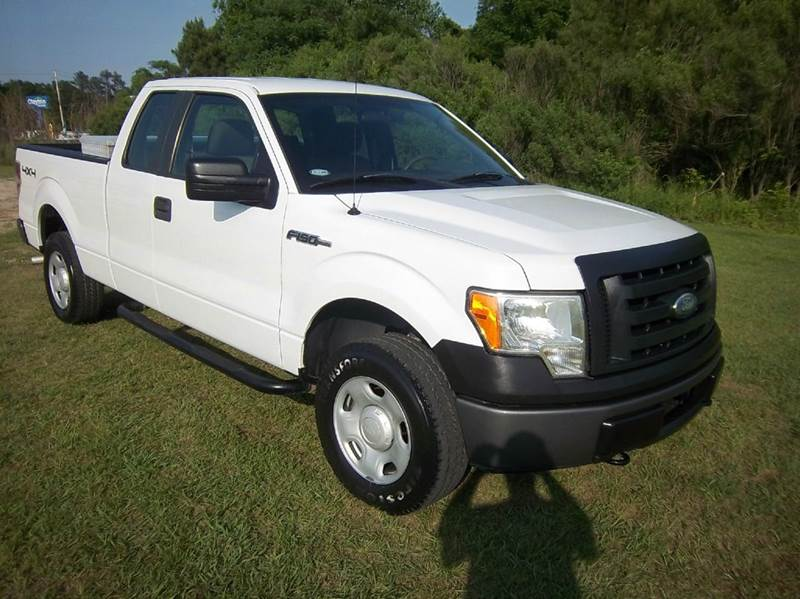 2009 FORD F-150 XL 4X4 4DR SUPERCAB STYLESIDE 6 white looking for a work truck that can switch t