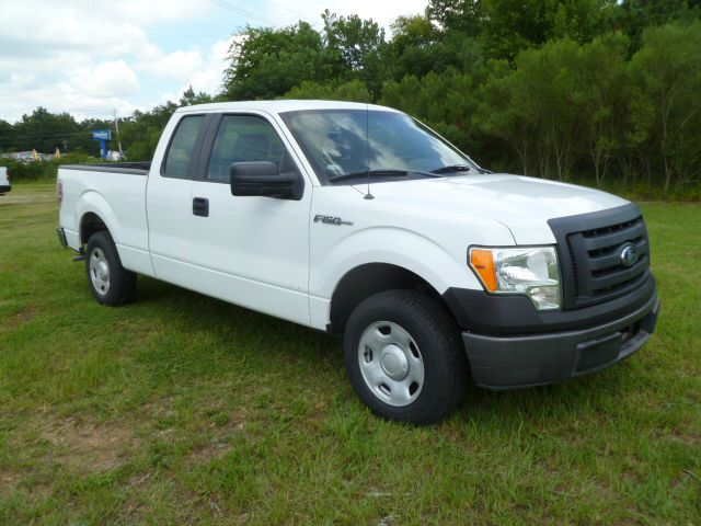 2009 FORD F-150 XL 4X2 PICKUP EXTENDED CAB 4DR white supercab with room for 6 extra clean insid