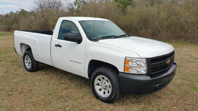 2011 CHEVROLET SILVERADO 1500 4X2 2DR REGULAR CAB 8 FT LB white this was a one owner fleet truck